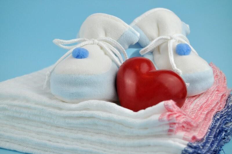 Пеленки для новорожденных – покупать или нет