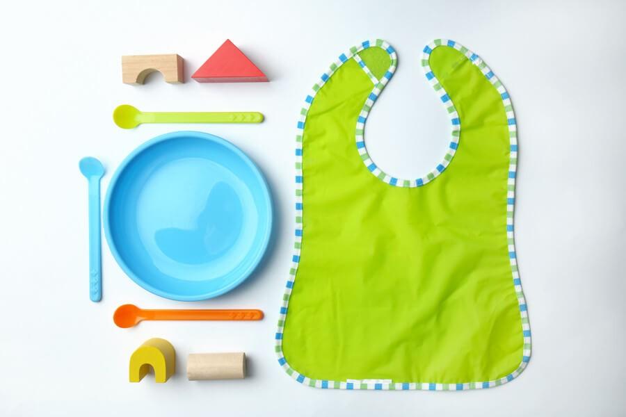 Этикет для малышей. Когда покупать посуду.