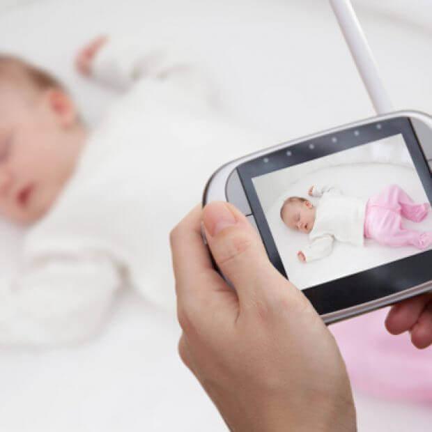 Видеоняня или радионяня лучше для детской