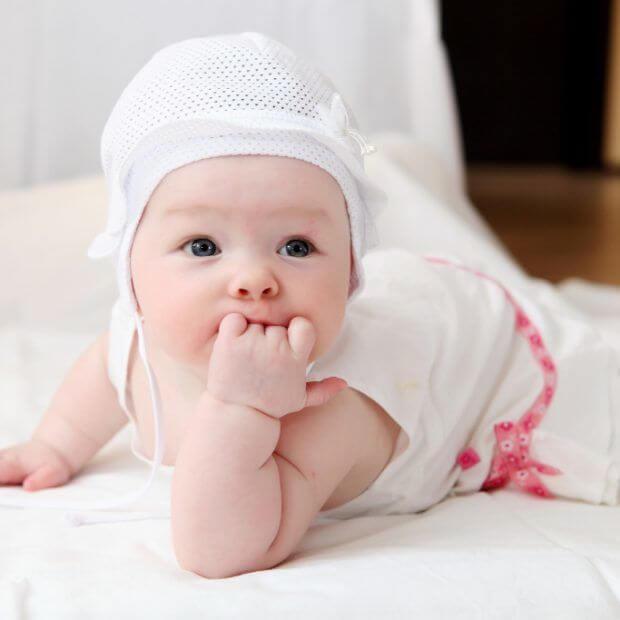 Первый год жизни ребенка. Вместе месяц за месяцем