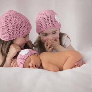 С рождением двойняшек, сестры близнецы