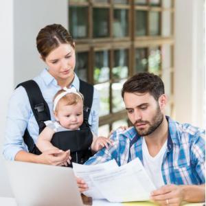молодая семья с грудным ребенком выплаты