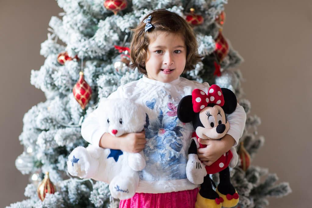 Новогодняя елка для малышей: 11 мер предосторожности