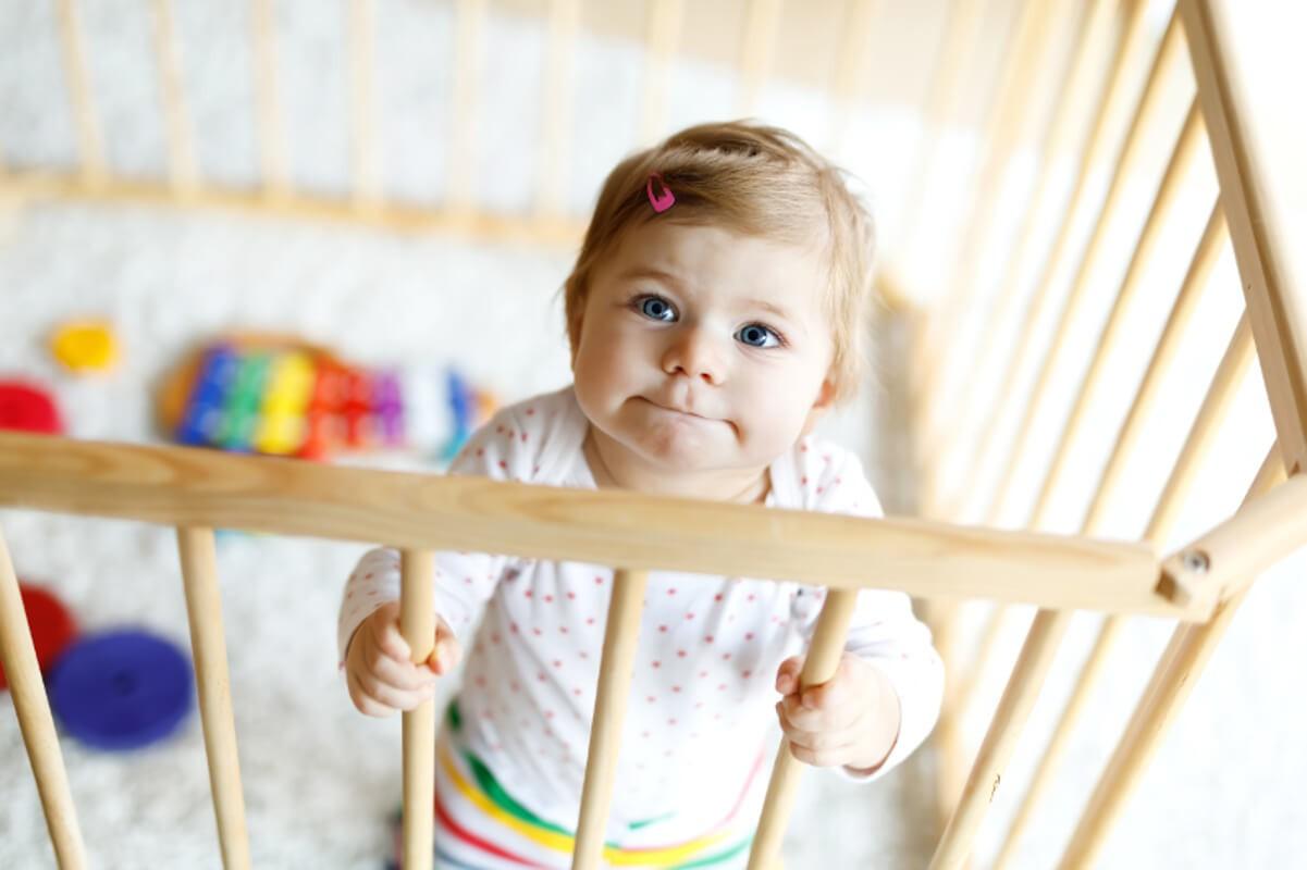 Манежи для детей: польза или вред