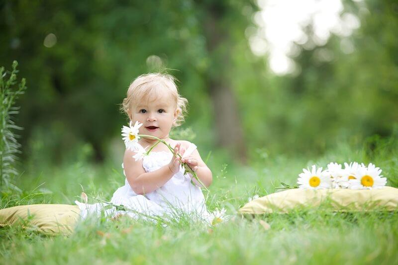 9 месяцев ребенку: развитие и режим