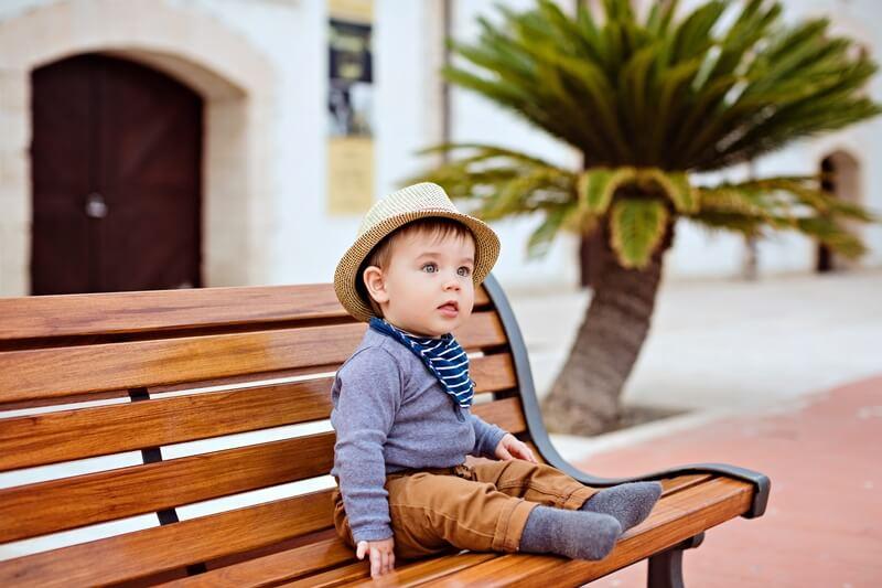 10 месяцев ребенку: развитие и уход