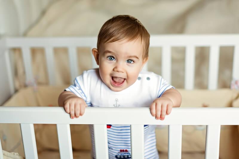 8 месяцев ребенку: развитие и уход