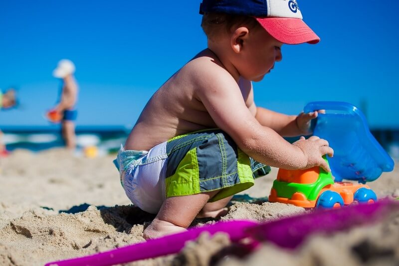 Аптечка для ребенка: отдых на море или за границей
