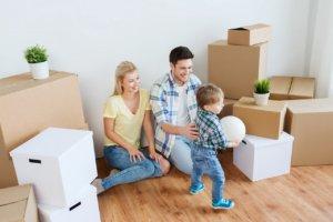 Семья арендует квартиру