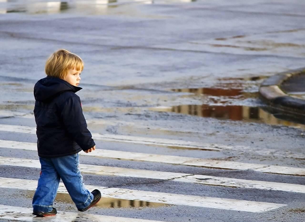 Безопасность ребенка на улице: проект «Школа юного пешехода» стартовал в Москве
